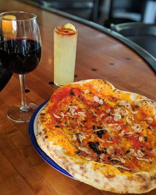 Comfort food at its finest 👌🏽 Joe's original tomato pie: tomato sauce, oregano, garlic & olive oil.  Fresh, hand-tossed sourdough pizza. Joe's restaurant open tonight from 4-9pm.  . . . . . . . . . #pizza #sourdoughpizza #tomatopie #restaurant #joesrestaurant #italiancuisine #bainbridgeisland #bainbridgeeats #pleasantbeachvillage #foodofinstagram #yum #yummy