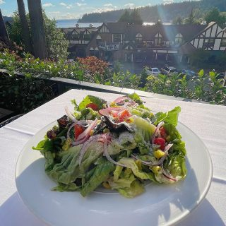 Your Thursday night consists of this view on Joe's patio, and a delicious salad. Try our classic Joe's salad: lettuce, tomato, red onion, poppers peppers, grams Padang & house Italian dressing.  . . . . . . . . . . . . #joesrestaurant #joessalad #views #fall #italiancuisine #yummy #saladsofinstagram #pleasantbeachvillage #bainbridgeisland